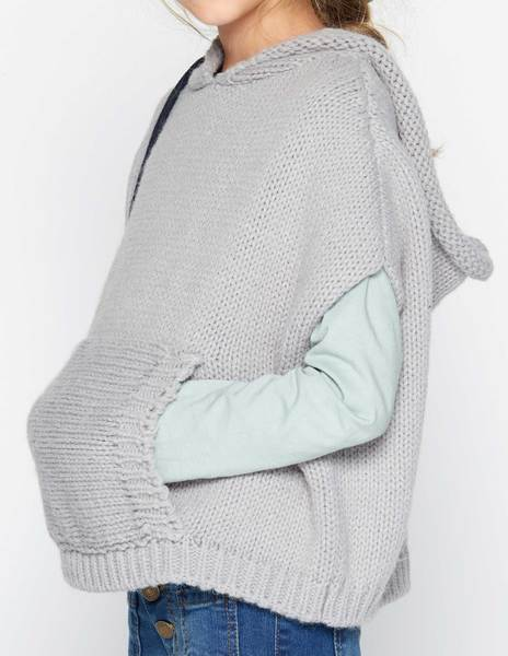 Grey hooden cape with pockets
