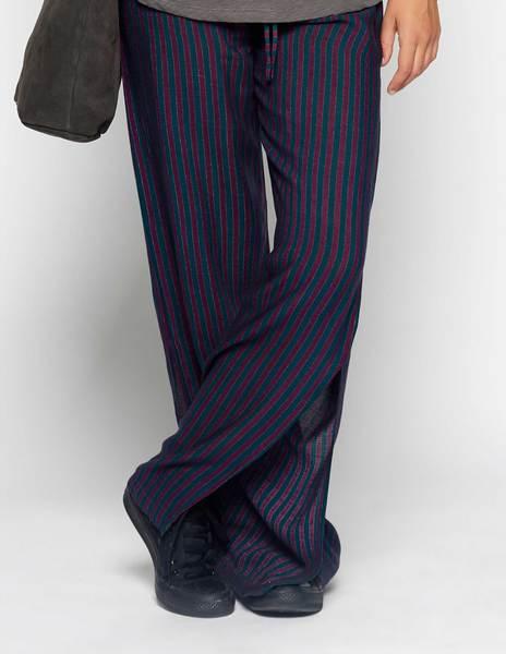 Pantalón aberturas rayas