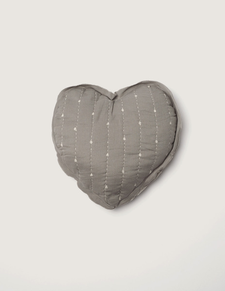 Grey bushes small heart cushion