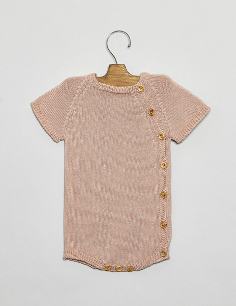 Pink buttom romper suit