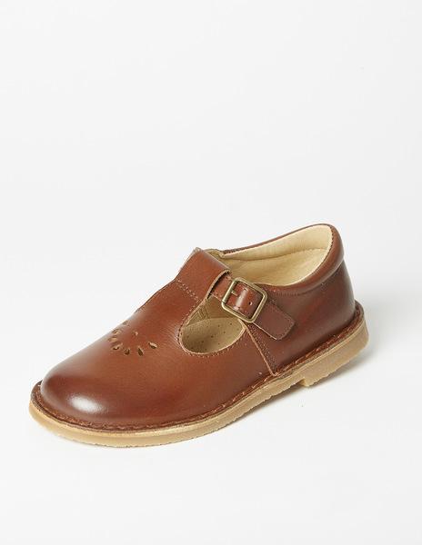 Brown buckel sandles