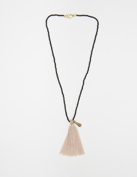 Short pink pompom necklace