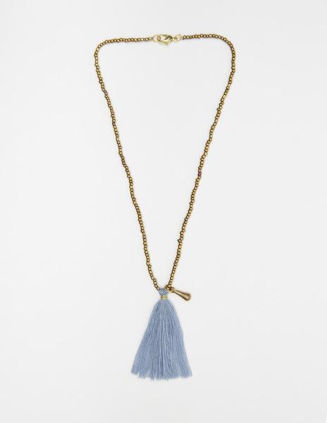 Short blue pompom necklace