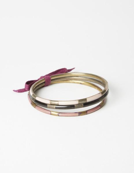 Pack black bracelets