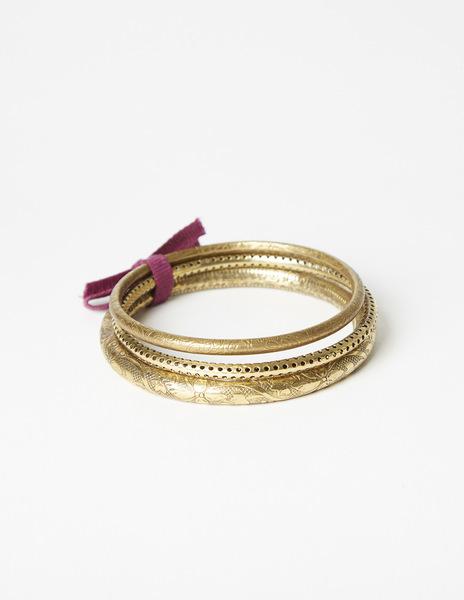 Pack gold bracelets