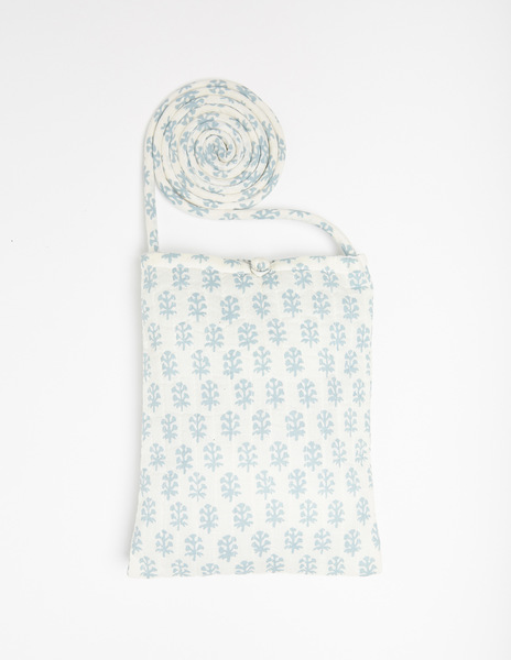 White buti print shoulder bag